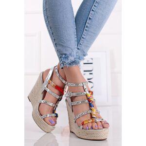 Stříbrné vybíjeny platformové sandály Neddy